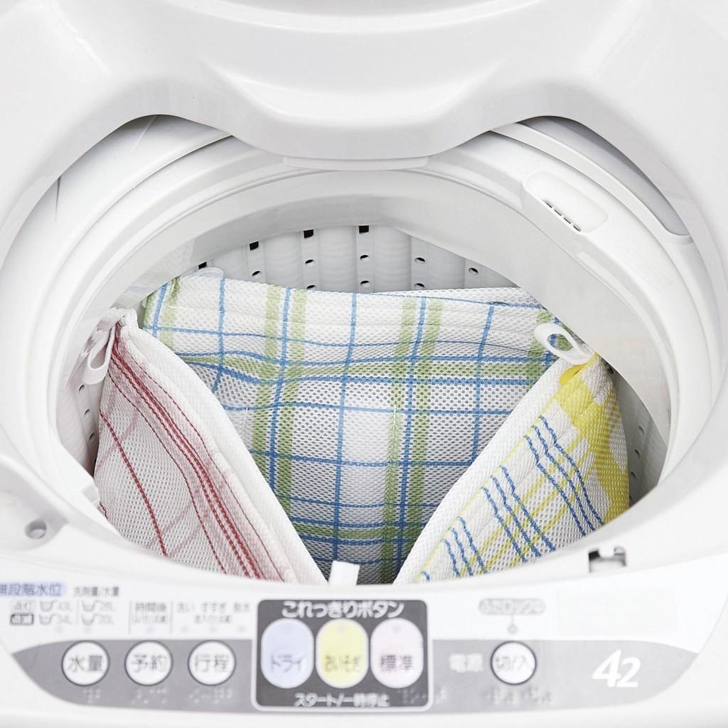 洗濯機で上履きを洗う人におすすめ!型崩れも防いでらくちんシューズ用洗濯ネットの会