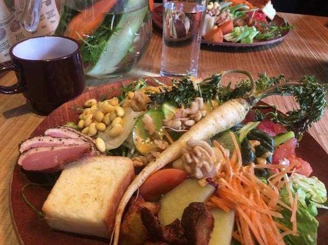 野菜好き、野菜不足の方におすすめ恵比寿「WE AER THE FARM」