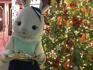 【自由が丘スイーツフォレスト】のクリスマス点灯式にショコラウサギのお姉さんが登場!